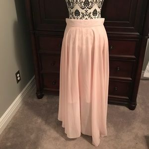 Dresses & Skirts - XL pale pink sheer maxi skirt with lining